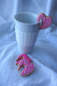 Heart cup sitter