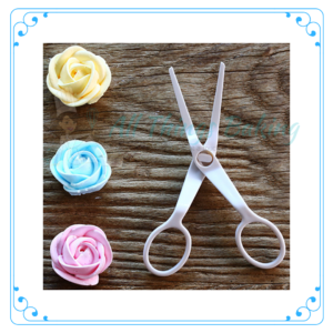 Flower Lifting Scissor - Plastic - All Things Baking